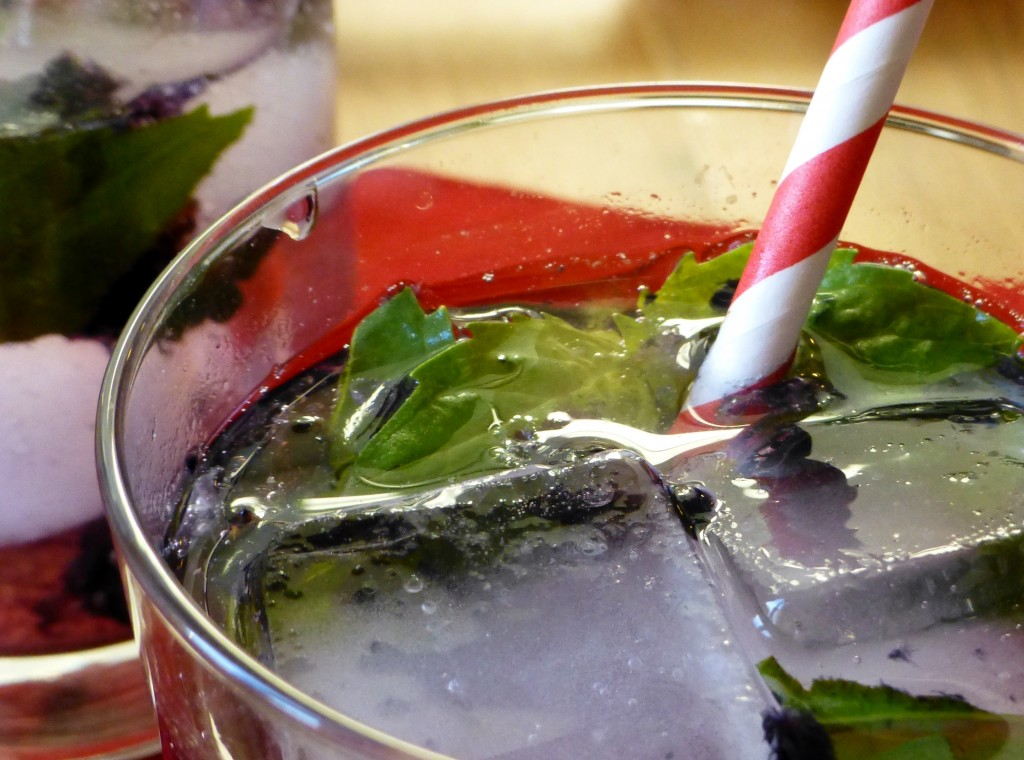 basil and blackberry drink